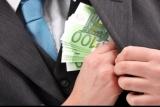 """Află salariile """"nesimţite"""" ale directorilor de la stat care au privatizat Oltchimul"""