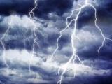 ALERTĂ METEO: Ploi cu vijelii și descărcări electrice până mâine seară