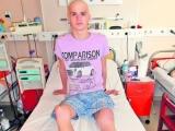 Andrei are nevoie de o endoproteză! Adolescentului cu cancer osos trebuie să i se înlocuiască rotula