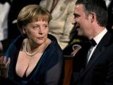Angela Merkel nu se descurcă la FLAUT