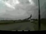 Avion filmat în timp ce se prăbușea
