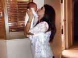 Cum se recuperează Celia după naștere