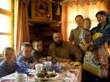 De necrezut! Cel mai BOGAT om al Rusiei trăiește ca în BIBLIE, după ce a renunțat la toată averea