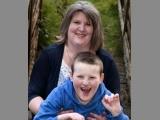 Drama unui băieţel de 11 ani! Nu poate vorbi, dar râde NON STOP
