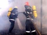 Incendiu de proporții în Capitală: Mai multe magazine au luat foc