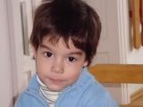 Luca Popescu așteaptă să devină un copil normal!