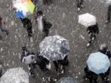 METEO. Vânt, ploi și ninsori în toată țara, până vineri la ora 18