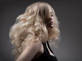 Păr deteriorat? Iată 3 metode simple și ieftine pentru a repara părul deteriorat