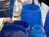 Patriarhia a vândut apă de la hidrant în loc de aghiazmă