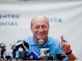 """Traian Băsescu, pe Facebook: """"Penibilii de la Transporturi - poate subiect la consultări?"""