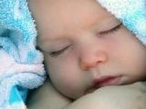 Trei bebeluși au fost vindecați de HIV cu ajutorul unui vaccin revoluționar