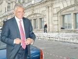Videanu va tapeta cu marmură intrarea în  Casa Poporului