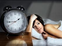 Alimente care te ajută să scapi de insomnie