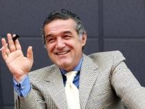 """Gigi Becali st�rnește hohote de r�s: """"Eu oier sunt"""""""