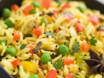 Rețeta zilei: Orez basmati cu broccoli şi migdale