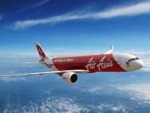 Scafandrii au găsit lângă epava avionului AirAsia cinci cadavre ale pasagerilor cu centurile de siguranţă puse