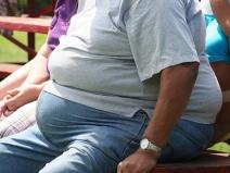 STUDIU: Excesul de greutate şi obezitatea cresc riscul de apariţie a 10 tipuri de cancer