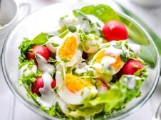 REȚETA ZILEI: Salată de ouă cu ridichi
