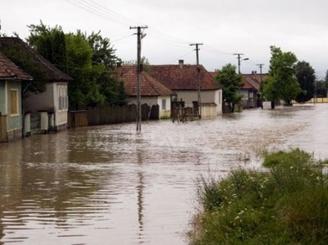 cod-rosu-de-inundatii-pe-mai-multe-rauri-din-tara-46527-1.jpg