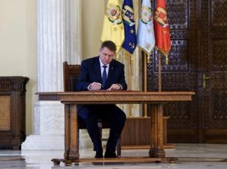 iohannis-a-promulgat-pensiile-speciale-pentru-diplomati-si-functionari-parlamentari-46637-1.jpg