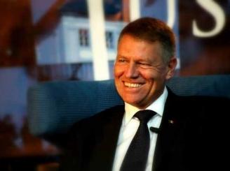 klaus-iohannis-criticat-de-jurnali-tii-de-la-deutsche-welle-presedintele-a-fost-prins-pe-un-picior-gresit-46465-1.jpg
