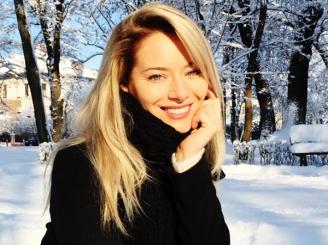 laura-cosoi-a-renuntat-la-blondul-care-a-consacrat-o-45161-1.jpg