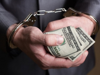 profesorul-spagar-de-la-ase-a-revolutionat-coruptia-academica-reduceri-la-licentele-pe-stoc-si-plata-in-rate-41939-1.jpg