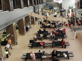 zboruri-anulate-pe-otopeni-din-cauza-grevei-controlorilor-de-zbor-din-franta-46266-1.jpg