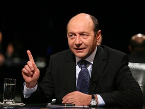 Traian Băsescu amenință că va da Guvernul în judecată