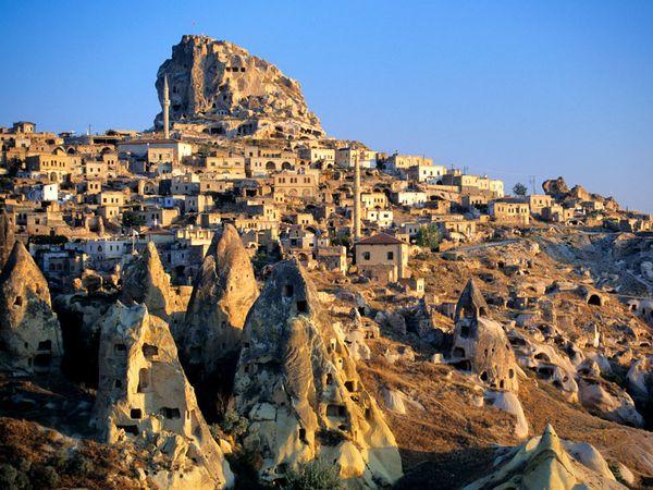 Capadocia, ținutul labirinturilor