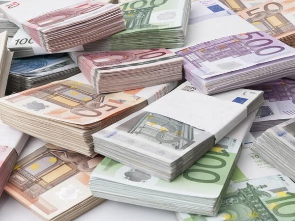 Crimă organizată și spălare de bani. PREJUDICIU de SUTE de MILIOANE de euro
